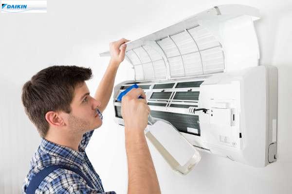 sustitución de filtros de aire acondicionado Daikin Zaragoza